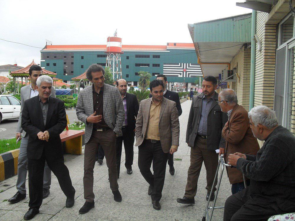 عیادت رئیس سازمان مدیریت حمل و نقل بار و مسافر شهرداری از سالمندان و معلولین